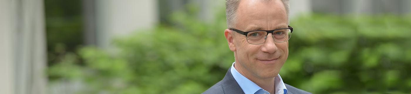 Werner Hötzel ist Steuerberater bei PMPG