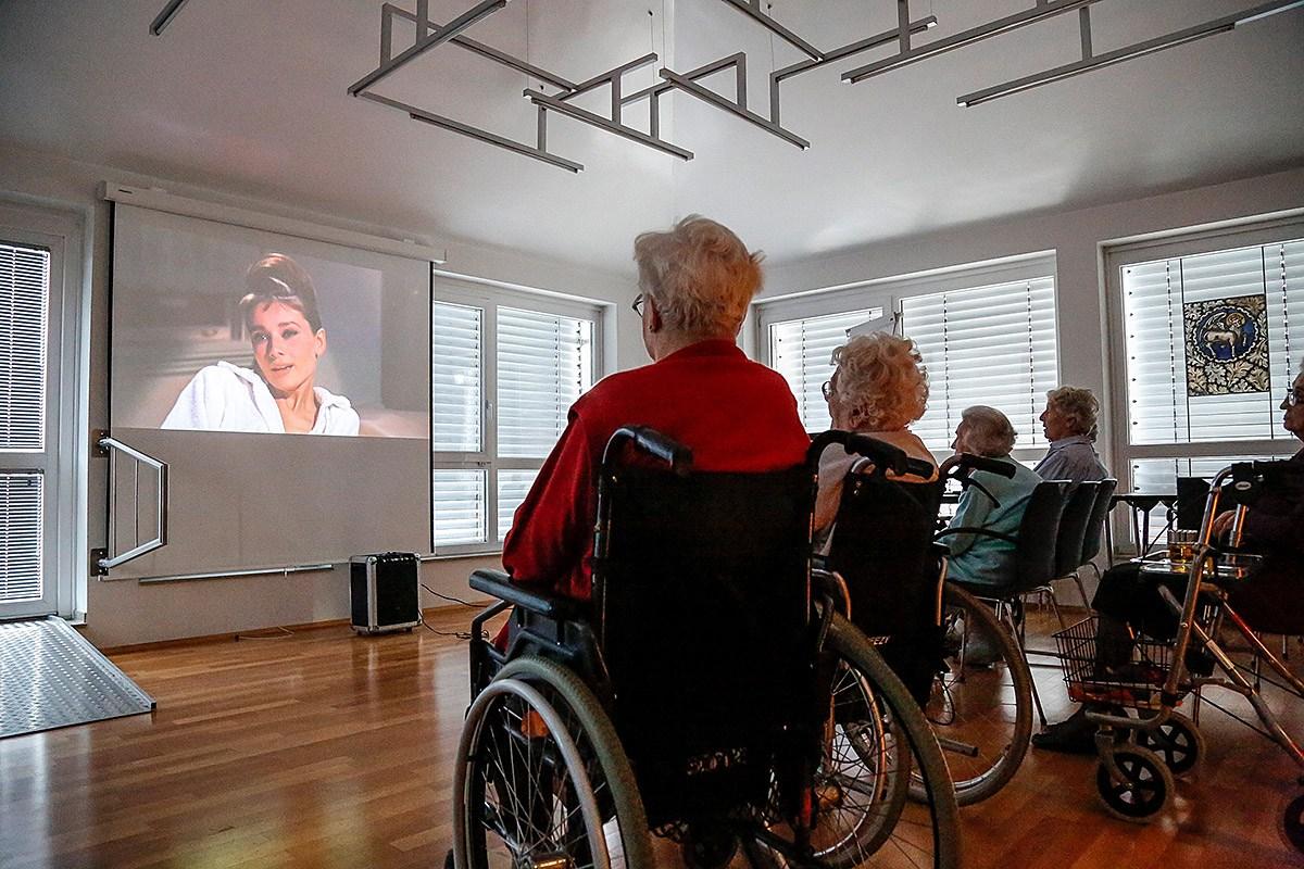 Kino im Seniorenheim